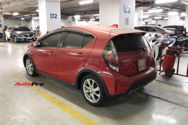 Hàng độc Toyota Prius C xuất hiện tại Việt Nam: Xe tiền tỷ nhưng tình trạng gây xót xa - Ảnh 1.