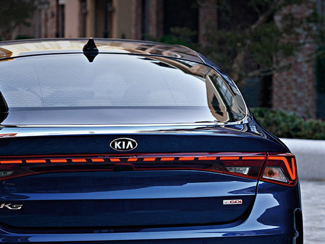 Đã có thông số chi tiết của xe hot Kia Optima - Những thứ đe doạ vị thế của Toyota Camry - Ảnh 10.