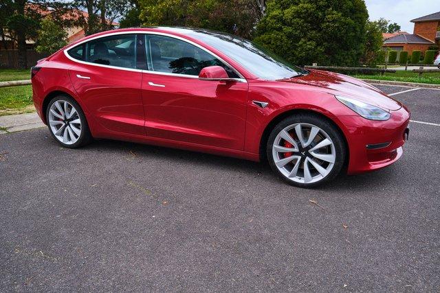 Xe thì nhanh nhất thế giới nhưng lại giao chậm không chịu kém ai khiến khách hàng mất tiền, Tesla bị phản đối nhưng quyết không đền bù - Ảnh 2.