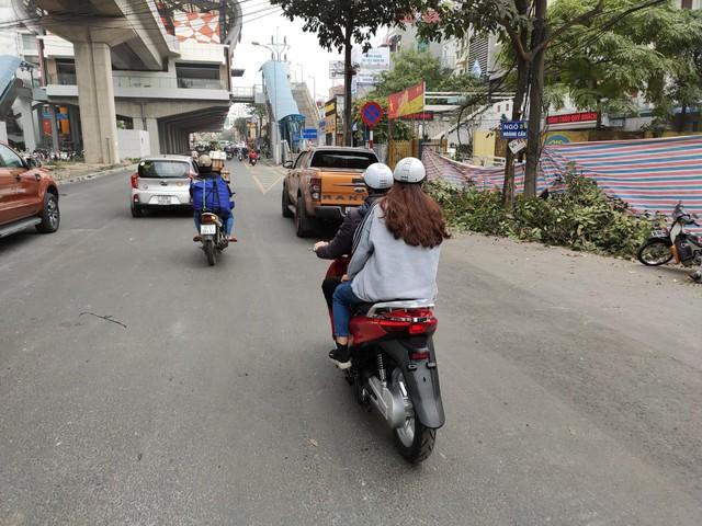 Lộ diện xe máy điện mới tại Việt Nam với kiểu dáng nhái Honda SH - Ảnh 4.