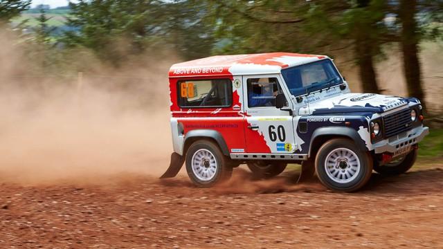 Jaguar Land Rover tăng lực cho bộ phận chuyên làm xe thùng to như SVAutobiography - Ảnh 1.