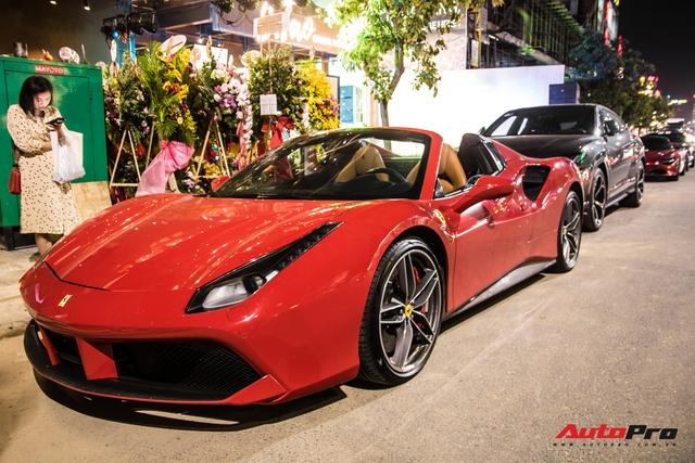 Trưởng đoàn Car Passion cùng dàn siêu xe khai trương nhà hàng của Cường Đô-la tại Đà Nẵng - Ảnh 1.
