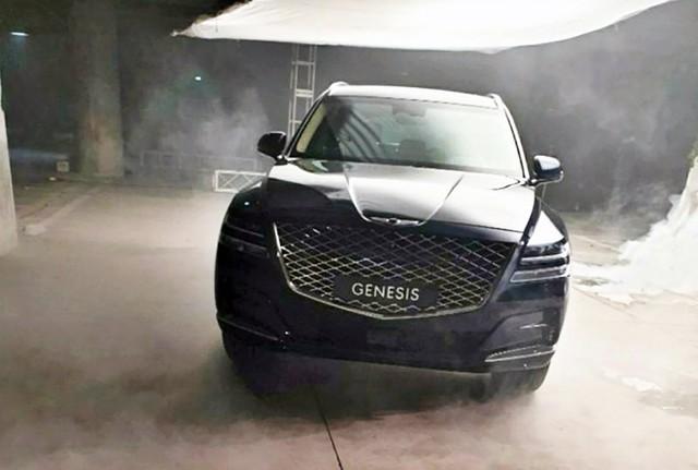 Lộ ảnh thực tế nội, ngoại thất Genesis GV80: SUV hạng sang Hàn Quốc đấu Mercedes-Benz GLE, BMW X5 - Ảnh 2.