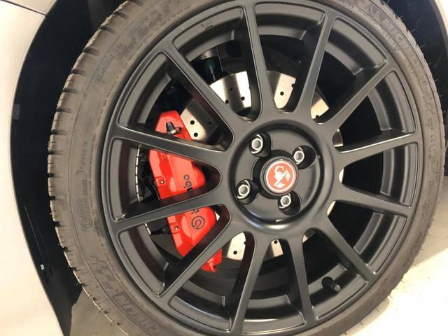 Abarth 595 gần 3 tỷ đồng chào hàng đại gia Việt: Xe nhỏ hơn VinFast Fadil nhưng giá ngang Porsche Macan với trang bị khủng như siêu xe - Ảnh 2.
