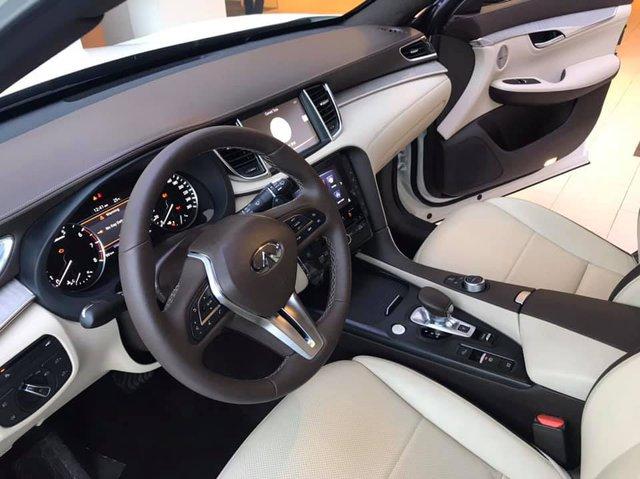 So găng Infiniti QX50 và Mercedes-Benz GLC tại Việt Nam - SUV Nhật đòi đấu 'vua doanh số' từ Đức - Ảnh 3.
