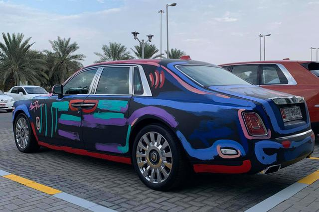 Đại gia Trung Đông độ Rolls-Royce Phantom như bị chơi khăm - Ảnh 2.