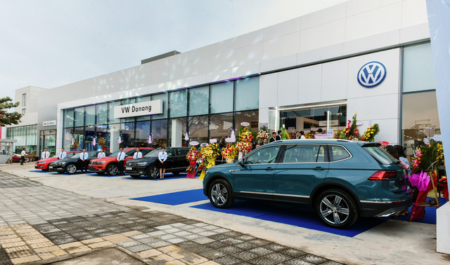 Volkswagen bất ngờ tặng 100% lệ phí trước bạ cho khách mua Tiguan Allspace Highline - Ảnh 1.