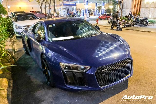 Liên tục đổi chủ và thay áo, đây chính là chiếc Audi R8 V10 Plus tắc kè hoa nhất tại Việt Nam - Ảnh 1.