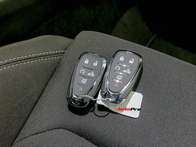Cận cảnh bộ ghế nỉ trên Chevrolet Camaro RS 2019 mui trần đầu tiên về Việt Nam: Có đáng chê như tranh cãi? - Ảnh 14.