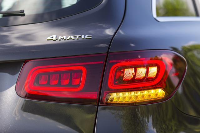 Ra mắt Mercedes-Benz GLC 300 nhập Đức: Giá 2,56 tỷ, tăng giá so với lắp ráp nhưng vẫn rẻ hơn BMW X3 - Ảnh 3.