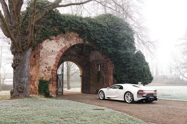 Siêu phẩm Bugatti Chiron độc nhất vô nhị trao tay đại gia bất động sản sau 3 năm hoàn thiện - Ảnh 2.