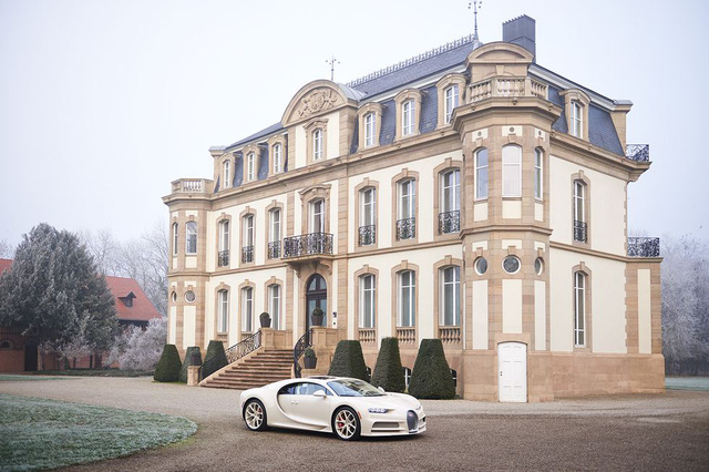 Siêu phẩm Bugatti Chiron độc nhất vô nhị trao tay đại gia bất động sản sau 3 năm hoàn thiện - Ảnh 3.