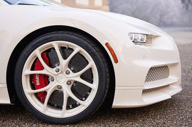 Siêu phẩm Bugatti Chiron độc nhất vô nhị trao tay đại gia bất động sản sau 3 năm hoàn thiện - Ảnh 7.