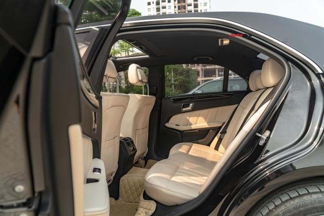Chỉ sau 5 năm, Mercedes-Benz E-Class nay còn rẻ hơn Toyota Camry cả chục triệu đồng - Ảnh 7.