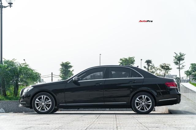 Chỉ sau 5 năm, Mercedes-Benz E-Class nay còn rẻ hơn Toyota Camry cả chục triệu đồng - Ảnh 2.