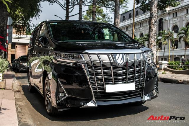 Sau tuyên bố giải nghệ, ca sĩ Tuấn Hưng tậu Toyota Alphard giá hơn 4 tỷ đồng - Ảnh 2.