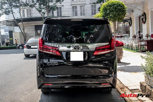 Doanh nhân Nguyễn Quốc Cường tậu Toyota Alphard giá hơn 4 tỷ đồng - Ảnh 5.