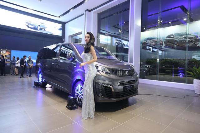 Sao Việt lũ lượt sắm xế bạc tỷ trong năm 2019: Chủ yếu là xe châu Âu với một thương hiệu áp đảo - Ảnh 13.