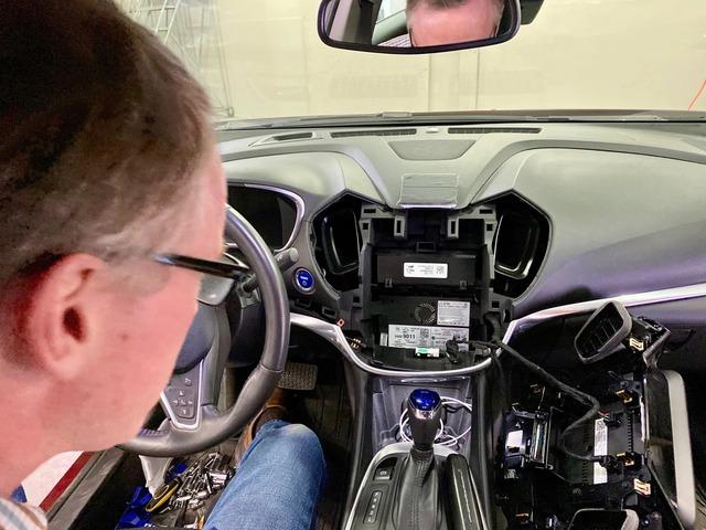 Người dùng ô tô đang bị các hãng xe theo dõi ngầm như thế nào? - Ảnh 2.