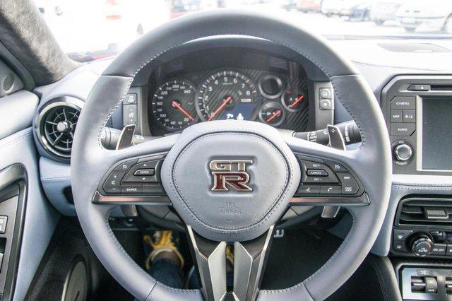 Nissan GT-R phiên bản giới hạn chào hàng đại gia Việt, giá hơn 4,6 tỷ đồng - Ảnh 13.
