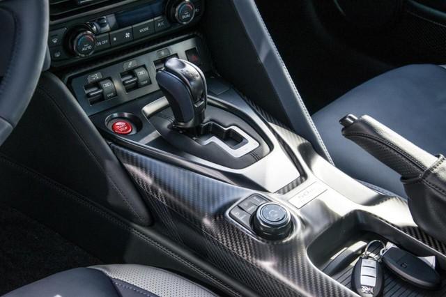 Nissan GT-R phiên bản giới hạn chào hàng đại gia Việt, giá hơn 4,6 tỷ đồng - Ảnh 15.