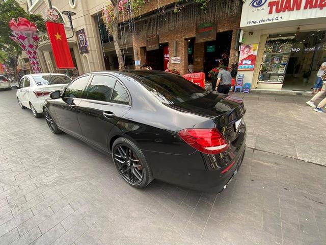 Sau tâm huyết độ E 63 AMG, chủ Mercedes-Benz E 300 nhập Đức bán lại giá gần 2,4 tỷ đồng, tuyên bố bớt gần trăm triệu nếu về zin - Ảnh 2.