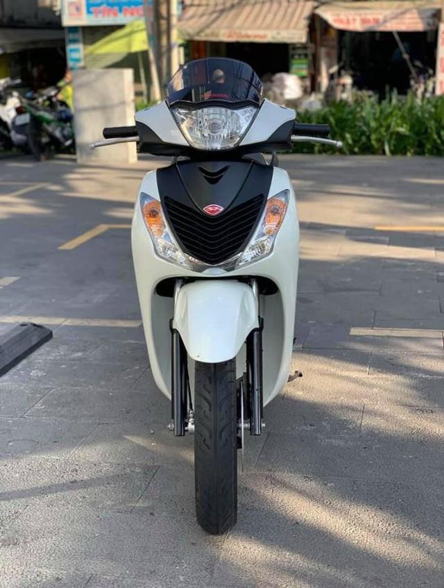 Đẳng cấp dân chơi: Honda SH biển khủng, giá ngang ô tô - Ảnh 11.
