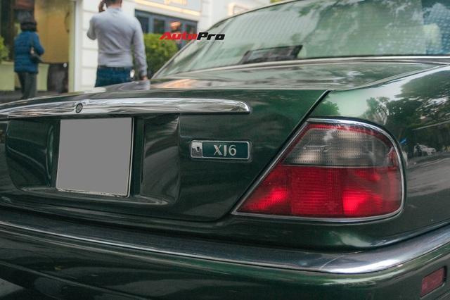 Jaguar XJ hơn 25 năm tuổi siêu hiếm xuất hiện tại Hà Nội, tình trạng xe khiến nhiều người ngạc nhiên - Ảnh 6.