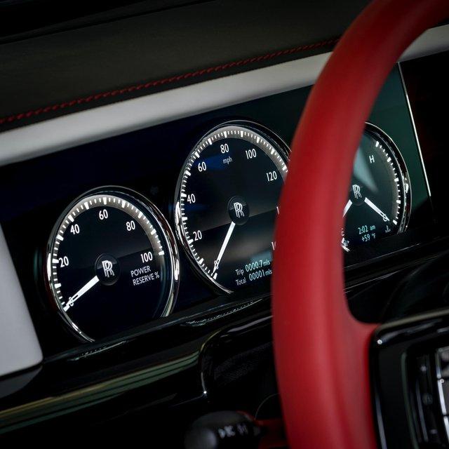 Đỉnh cao chế tác xe: Rolls-Royce Phantom rắc bụi pha lê làm sơn 5 lớp, mỗi lớp đánh bóng 5 tiếng - Ảnh 5.
