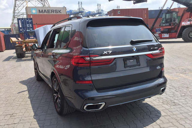 BMW X7 chính hãng hạ giá hàng trăm triệu đồng trước sự cạnh tranh của xe nhập tư 'giá rẻ' - Ảnh 2.