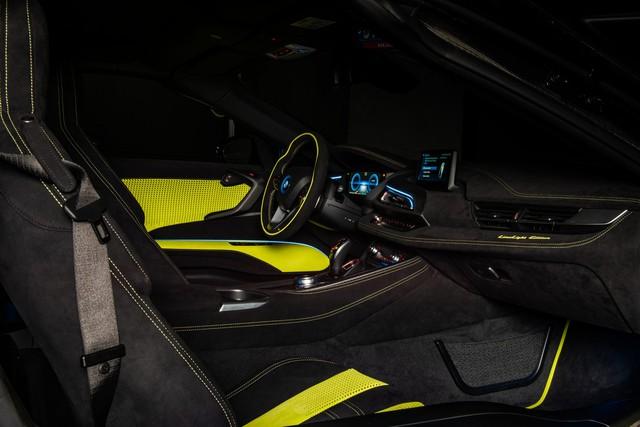 BMW i8 mui trần màu xanh lá độc nhất vô nhị khiến fan Việt nức lòng - Ảnh 4.