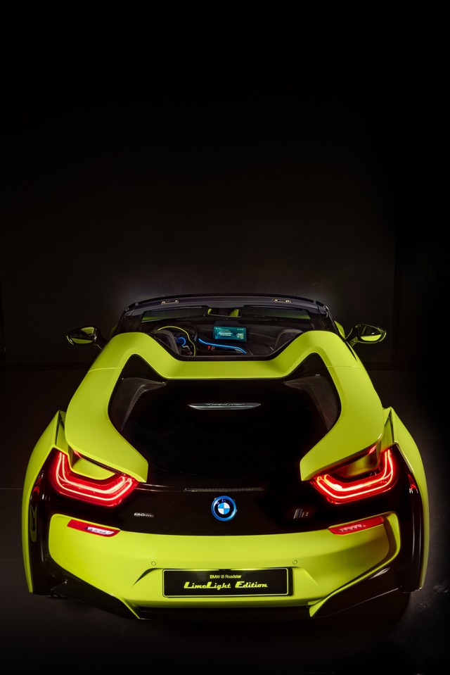 BMW i8 mui trần màu xanh lá độc nhất vô nhị khiến fan Việt nức lòng - Ảnh 3.