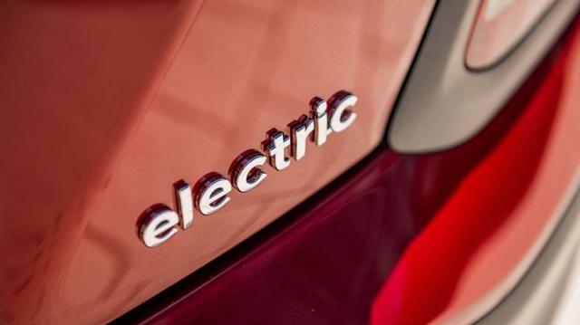 """Hyundai """"bóc tách"""" 10 hiểu lầm thường gặp về xe điện"""