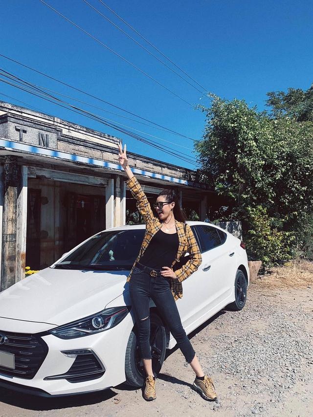 Được tặng xe Mercedes tiền tỷ nhưng đây mới là hai chiếc 'xe cỏ' gắn bó với tân Hoa hậu Hoàn vũ Nguyễn Trần Khánh Vân - Ảnh 2.