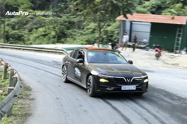 10 ưu và nhược điểm của VinFast Lux A2.0 sau 3 ngày trải nghiệm với 1.000 km qua đủ mọi cung đường - Ảnh 1.