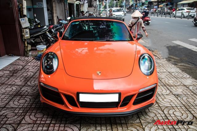 Cận cảnh lớp áo mới trên Porsche 911 Targa 4 GTS độc nhất Việt Nam - Ảnh 1.