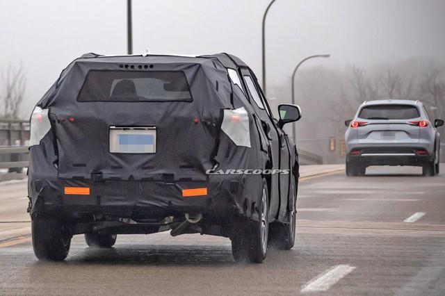 Cạnh tranh Ford Explorer, Toyota Highlander 2020 chạy thử cùng... Mazda CX-9 - Ảnh 1.