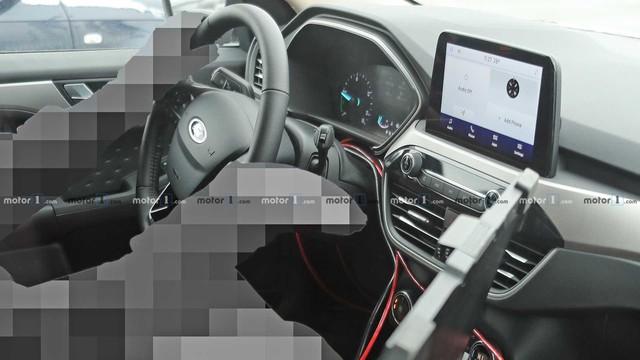 Át chủ bài của Ford để cạnh tranh Honda CR-V lộ thêm ảnh nội, ngoại thất mới - Ảnh 5.