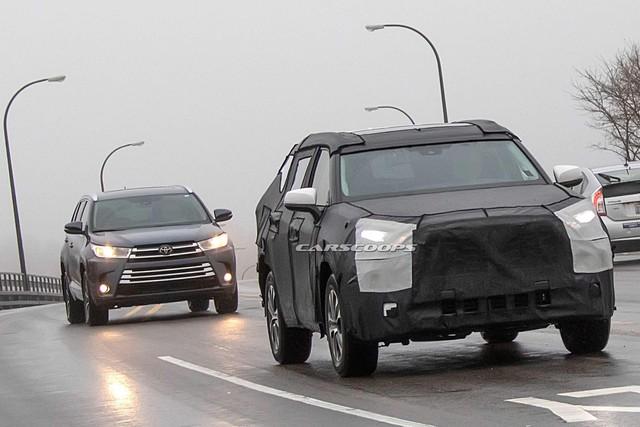Cạnh tranh Ford Explorer, Toyota Highlander 2020 chạy thử cùng... Mazda CX-9 - Ảnh 2.