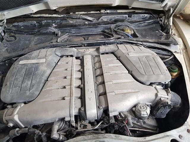 Dân chơi Hà Nội bán cả 3 xe Bentley, BMW, Mercedes chỉ với 500 triệu đồng - Ảnh 3.