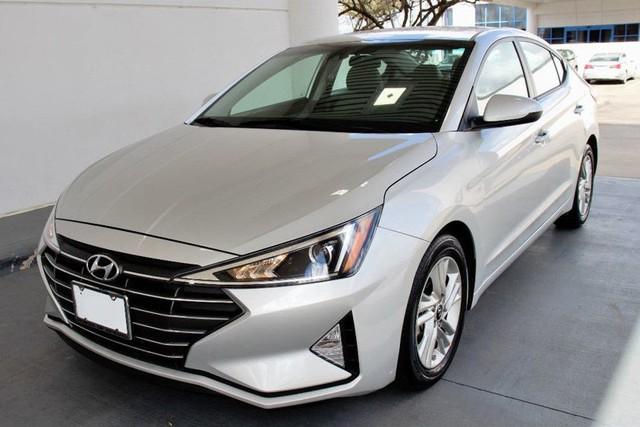 Đón đầu phiên bản mới, Hyundai Elantra giảm giá cho khách Việt tại đại lý - Ảnh 2.