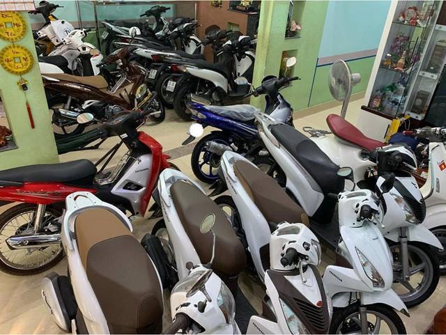 Đây là bộ sưu tập xe máy biển ngũ quý bạc tỷ của dân chơi Bến Tre và Đồng Nai nhưng loại xe mới gây chú ý - Ảnh 6.