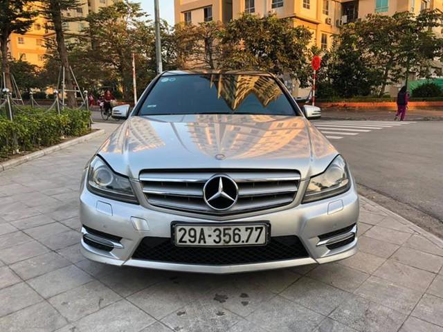 8 năm tuổi, Mercedes-Benz C300 AMG chỉ đắt hơn Toyota Vios mới 90 triệu đồng - Ảnh 1.