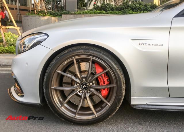 Đại gia Sài Gòn thích mua lại xe của Cường Đô-la tân trang Mercedes-AMG C63S độc nhất Việt Nam - Ảnh 6.