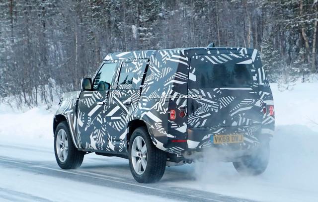 Thêm thông tin về SUV đáng chờ đợi nhất trong năm của Land Rover: Phuộc khí tân tiến, mâm 22 inch - Ảnh 2.