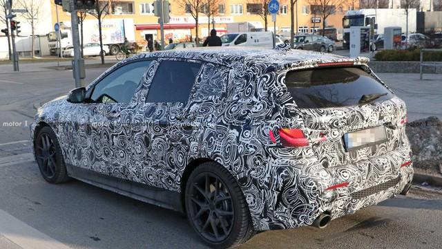 Xe sang giá mềm BMW 1-Series 2019 bất ngờ lộ nội thất giống như 3-Series - Ảnh 4.