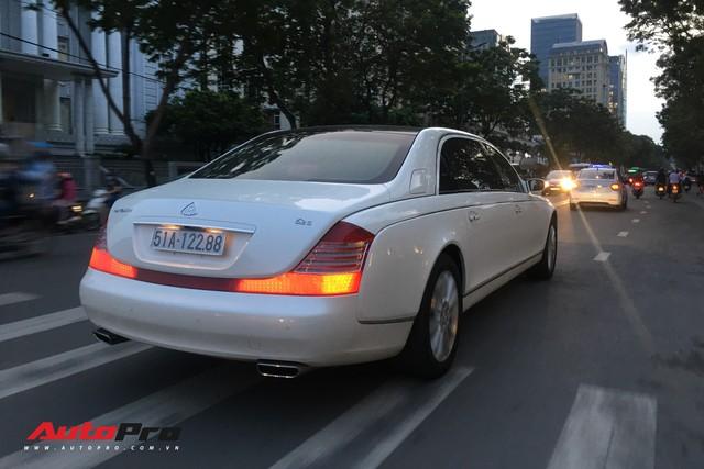 Maybach 62S màu trắng hàng hiếm thuộc bộ sưu tập hầm gửi xe triệu đô - Ảnh 11.