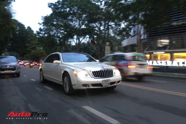 Maybach 62S màu trắng hàng hiếm thuộc bộ sưu tập hầm gửi xe triệu đô - Ảnh 1.