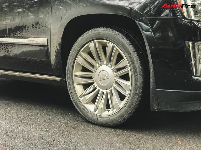 'Khủng long' Cadillac Escalade 'thùng dài' đeo biển số tứ quý 9 phát mãi của đại gia Hà thành - Ảnh 8.