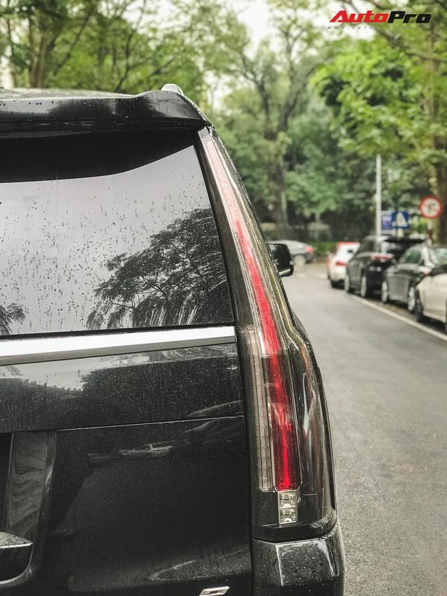 'Khủng long' Cadillac Escalade 'thùng dài' đeo biển số tứ quý 9 phát mãi của đại gia Hà thành - Ảnh 7.